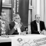 Ständerat Hannes Germann (l.) und Nationalrat Thomas Hurter (r.) berichteten unter Leitung von Werner Bolli (M.) von der Frühjahrssession in Bern. Bild Sidonia Küpfer