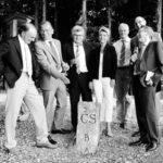 Bewundern den «Schwarzen Stein»: Felix Gutzwiller, Hannes Germann, Ivo Bischofberger, Karin Keller-Sutter, Thomas Minder, Stefan Bilger und Pirmin Bischof (von links). Bild Eric Bührer